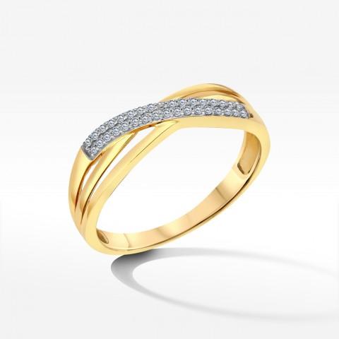 Przeplatany pierścionek z brylantami
