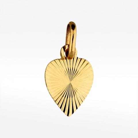 Złota zawieszka w kształcie serduszka