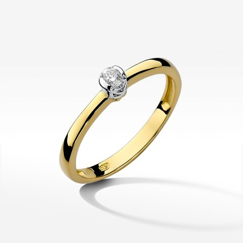 Pierścionek zaręczynowy z brylantem